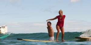 Nick-Vujicic surfing with Bethany Hamilton